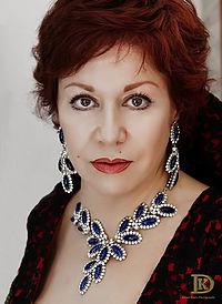 Maria_Uriz,_Soprano